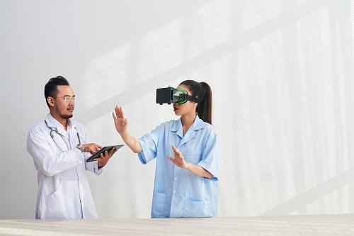 Intégrer la réalité virtuelle pour augmenter l'impact de vos formations